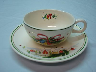 Vintage Beautiful Bone China Tea Cup and Saucer, Un Marked
