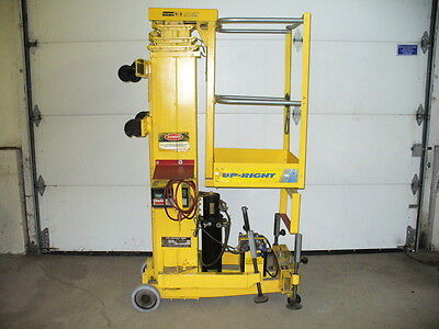 Up-Right Telescoping Man Lift 20 Ft Dc 12V. Material Personnel Portable Battery