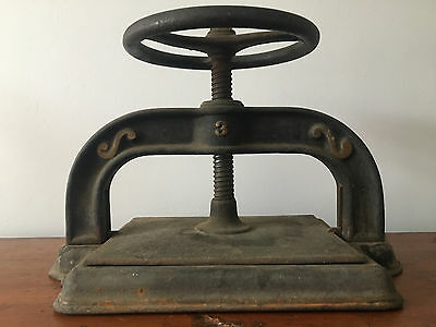 Antique VTG Cast Iron Book Press Plate Wheel Industrial Printing Vise Vice 3