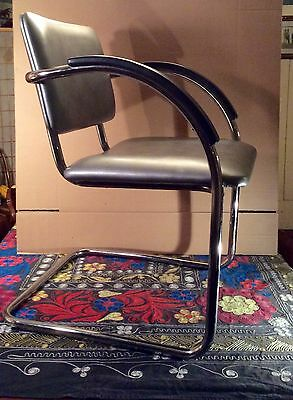 Mid Century Tubular Chrome and Vinyl Brno Bauhaus Cantilever Style Chair~EUC