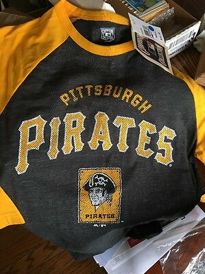 NEW Pittsburgh Pirates Throwback Retro 1960 Logo Cooperstown MLB T-Shirt  Small dbaf2c2e7