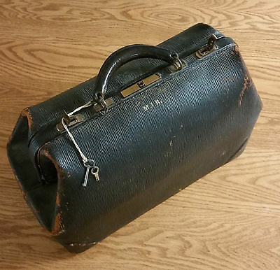 Vintage Antique Leather Doctor's Medical Bag Black Locking - NICE !!