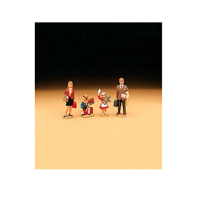 Lgb G Scale Ready To Use Family Figures Set | Bn | 51400