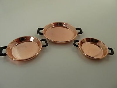 Dolls House Miniature 1.12th Scale Kitchen 3 x Copper Flat Cooking Dishes G8185