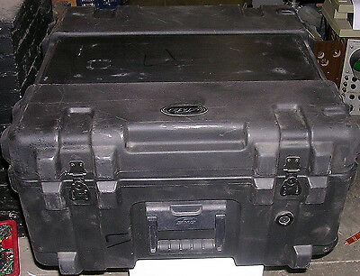 Skb Mil Spec Equipment Case  Hinges Latches Foam Wheels  24 X 24  A Great Case