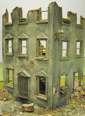 1/35 Scale ~ Ruined Corner House model - Military model kit diorama