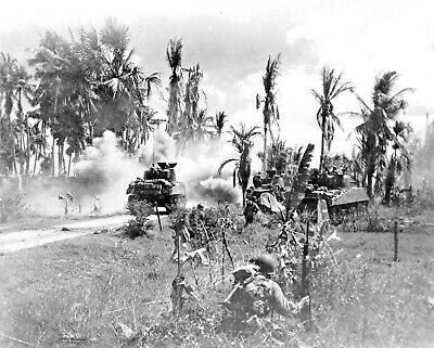 1945-Panay Island-Troops of 185th Infantry Advance on Japanese Positions