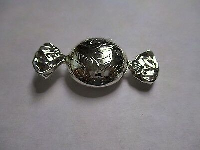 Sterling Silver Pill Box Candy wrap Engraved 925 solid silver gorgeous 1 3/4
