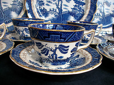BOOTHS REAL OLD WILLOW A8025 (c.1944-1981)- CUP & SAUCER (s)- EXCELLENT! GILT!