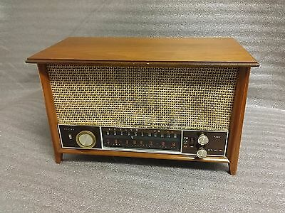 Antique ZENITH K731 Wood Cabinet Long Distance Tube Radio Works Great