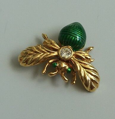 Adorable Vintage Bee With Faux Stone & Crystal Body Brooch In Gold Tone Metal .