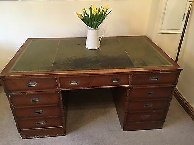 Stunning partners writing desk table - vintage