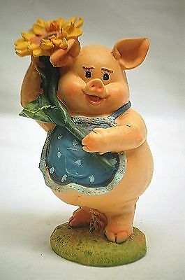 Whimsical Resin Momma Pig w Kitchen Apron Sunflower Figurine Country Farm Animal