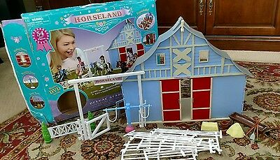 Horseland Deluxe Stable playset Barn Horse Toy