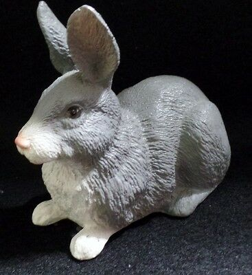 "Universal Statuary 1993 Bunny Rabbit Sculpture Figurine 5"" x 3"" Gray & White"