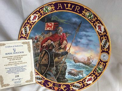 BNIB Royal Doulton  ALFRED THE GREAT REPELLING VIKINGS KINGS AND QUEENS PLATE