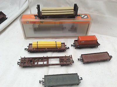 N GAUGE JOB LOT OF 6x FLAT WAGONS - SOME WITH LOADS ETC
