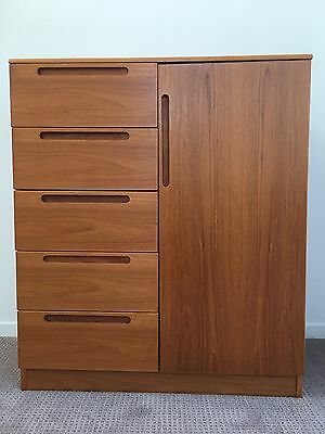 Mid Century Danish Gentleman's Dresser Chest Of Drawers By Jasper Made Denmark