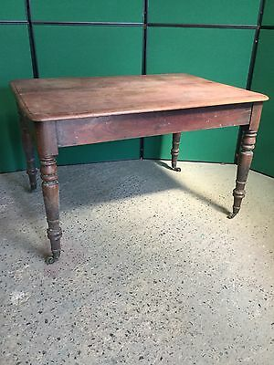 Antique Victorian Mahogany Dining Table On Turned Legs