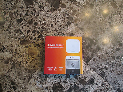 New Square Credit Card Reader w/Apple Pay and Card Swipe A-SKU-0113-02
