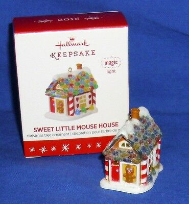 Hallmark Miniature Ornament Sweet Little Mouse House 2016 Gingerbread Lighted