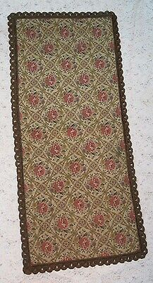 "Vintage Buffet Table Runner 14.5 ""x 32"" Needlepoint/Red Velvet"