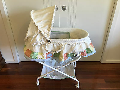 Baby bassinet and stand
