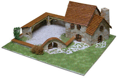 Cascina - Rural Country House Mod. 1 2100 Pcs Model Kit 1414 AEDES ARS