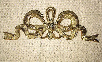 Vintage ANTIQUE FRENCH BRASS BOW FURNITURE or WALL PEDIMENT DECORATION MOUNT