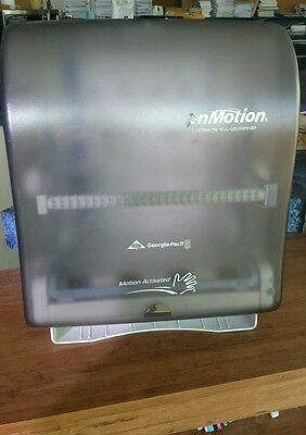 Automated Touchless Towel Dispencer