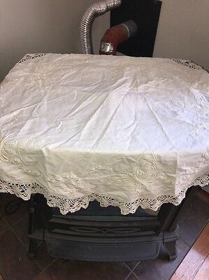 Vintage Table Large Round Doilie Doily Embroidered Butterfly Low Start