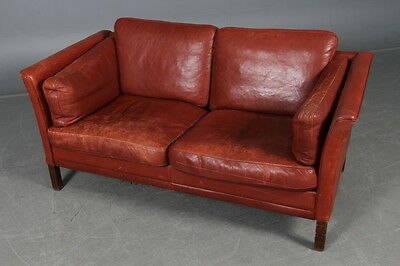 Danish vintage two-seater sofa upholstered in reddish brown leather
