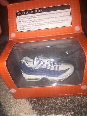 Nike Classics Authentic Commemorative Footwear Air Max 95 White/New Green-Blue