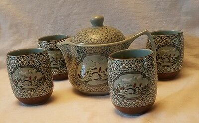 Japanese pottery teapot and cup set