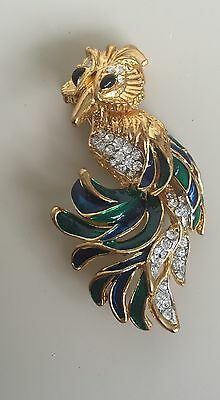 Adorable Vintage Bird Brooch In Enamel And Gold Tone Metal With Crystals