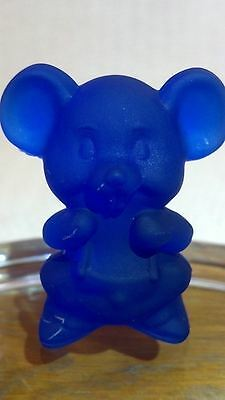Vintage Boyd Glass Cobalt Blue Satin Frosted Willie The Mouse Animal Figurine