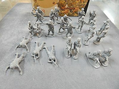 U.S. Paratroopers 1/32 scale plastic toy soldiers by Airfix with box