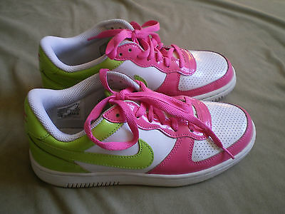 Women's Nike Shoes Size 7.5 White, Green & Pink Lace Up Sneakers