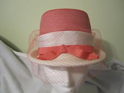 Vintage Ladies Hat With Face Netting - Lovely Peach & Cream