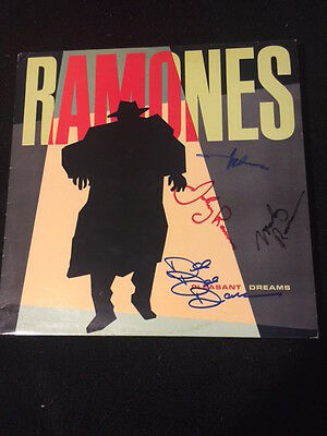 Ramones Pleasant Dreams Lp Signed And Authenticated