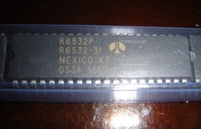 1PCS R6532P R6532 8-BIT Microprocessor DIP-40 IC CHIP
