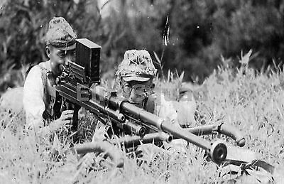 WW2 Picture Photo Japanese soldiers with a Type 97 Anti-Tank Rifle 827