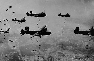 WW2 Photo Picture B-24 Liberators of the 467th Bomb Group dropping  bombs 311