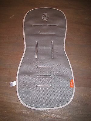 Awesome MEENO BABIES Stroller Liner to keep Baby Cool! Moisture Wicking! Gray.