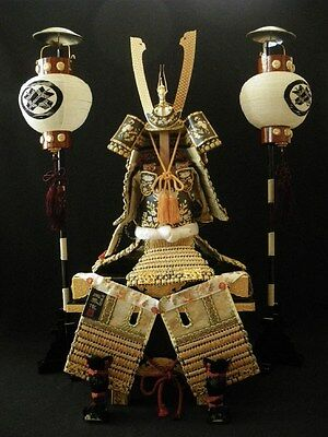 Japanese Samurai Figure -Gyokuho Product- with paper hand lanterns BM-008