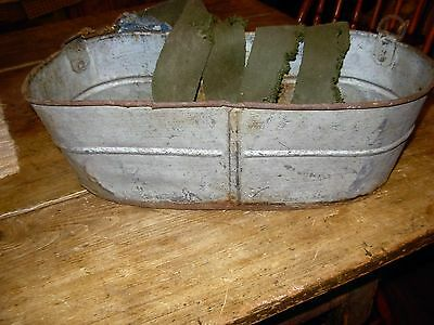 ANTIQUE FISHING CREEL  box