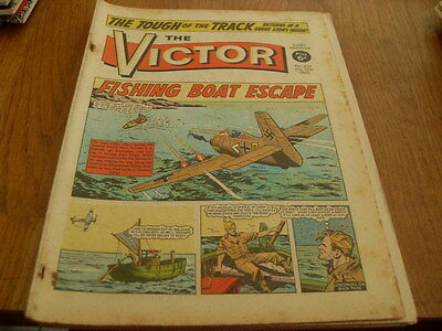 The Victor Comic 2 Issues No- 438 1969- No 972 -1979