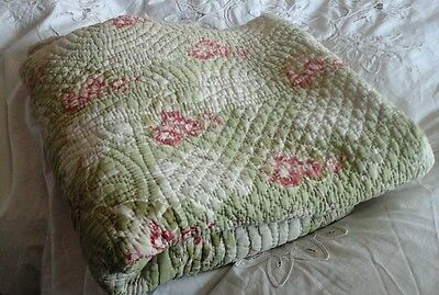 Vintage quilted Counterpane quilt throw reversible roses cream green and pink