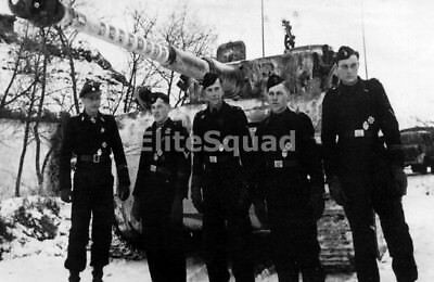 WW2 Photo Picture German Michael Wittman Panzer crew in front Tiger tank 343