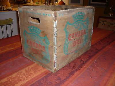 Vintage D11 Canada Dry Ginger Ale Metal Edged Wood Soda Bottle Box Crate 1963